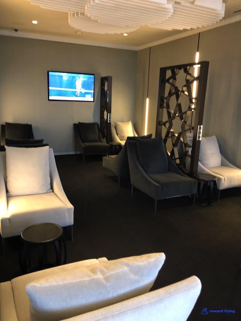 QR42 Lounge 5.jpg