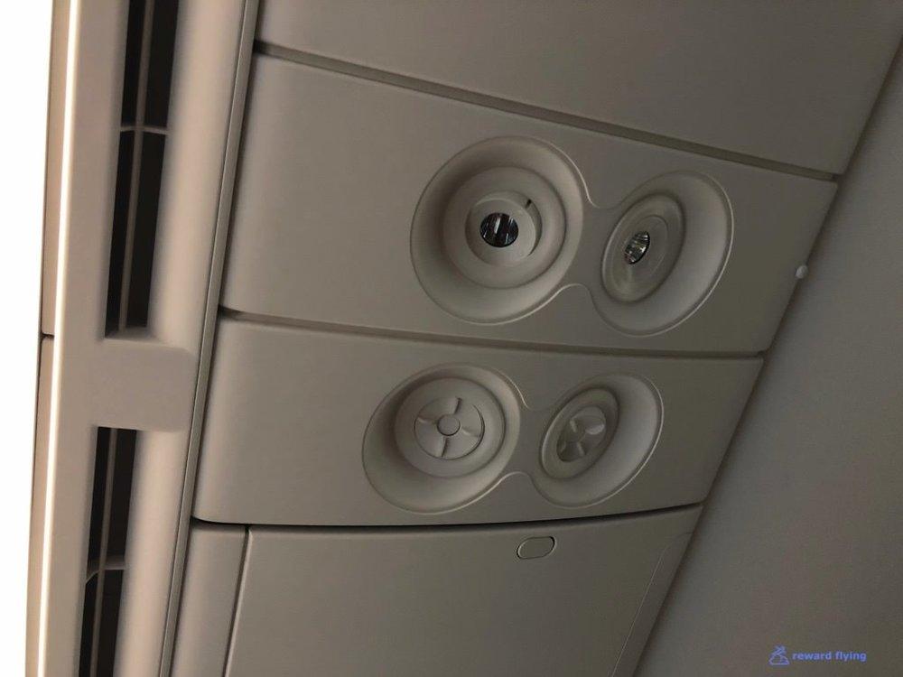 QF906 Cabin 11 Air nozzles.jpg