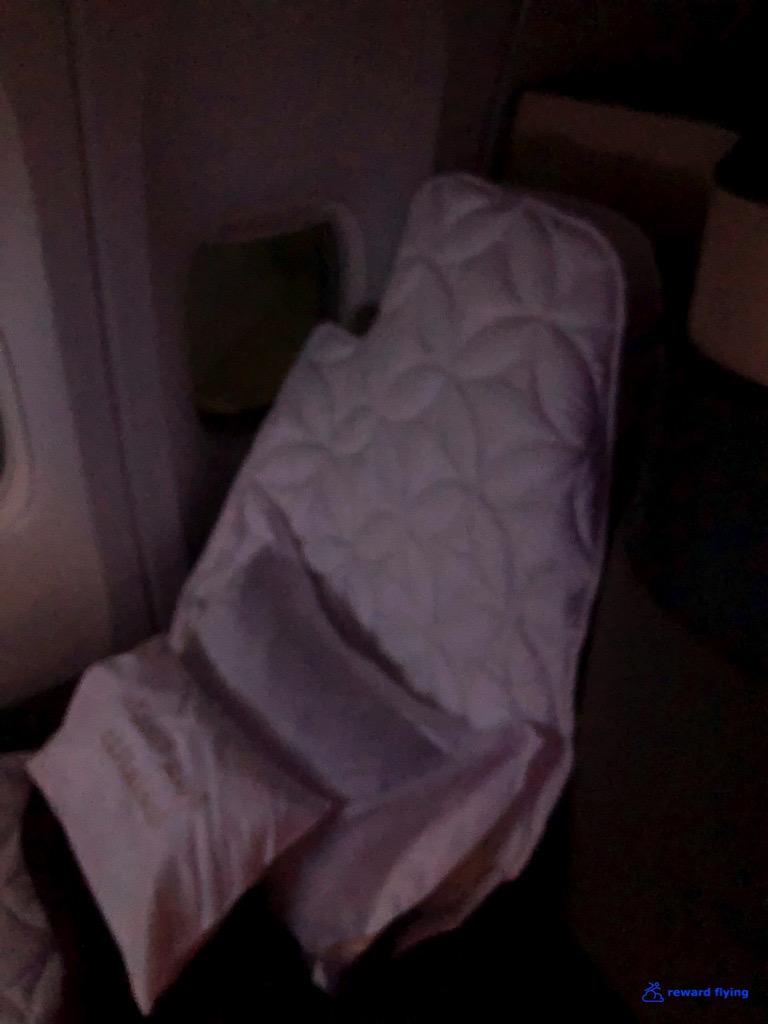 QR726 Seat Sleep 2.jpg