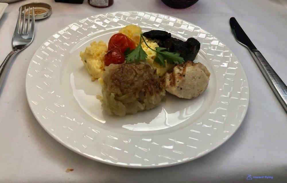 QR944 Food Brk 7.jpg