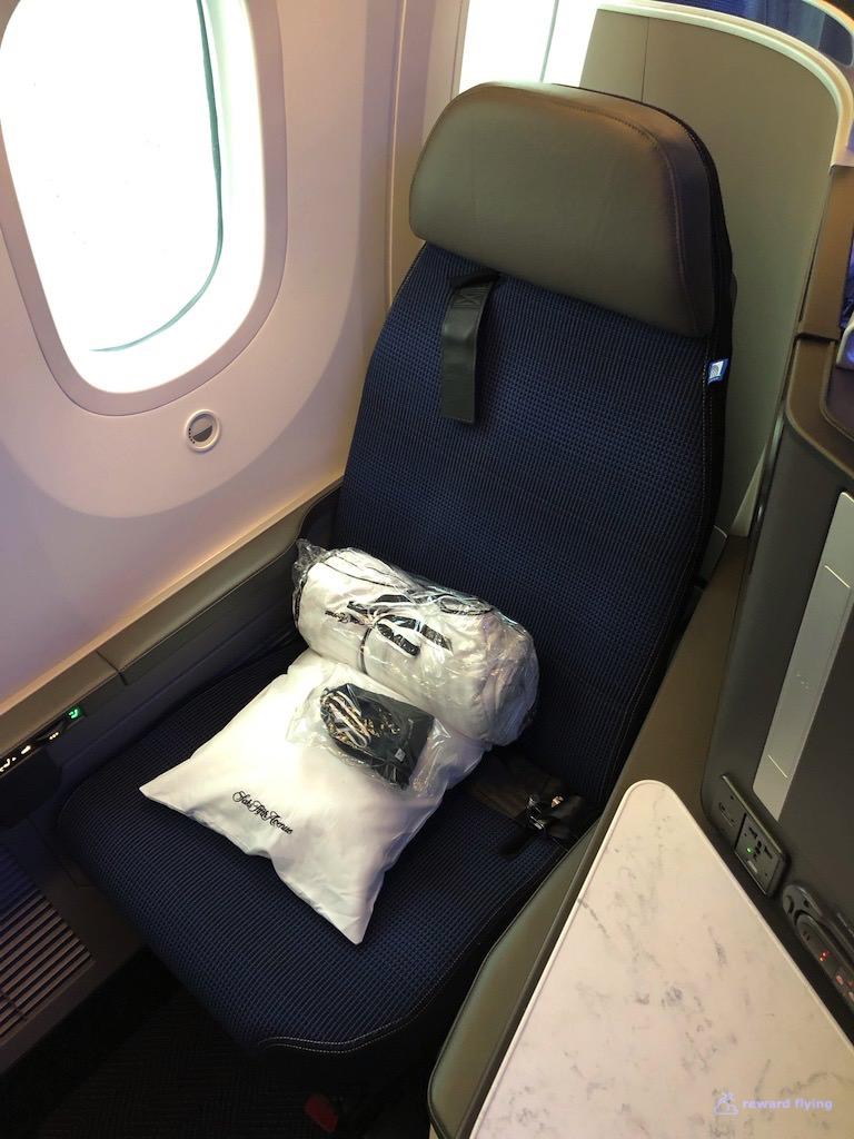 UA2418 Seat 1L 1.jpg