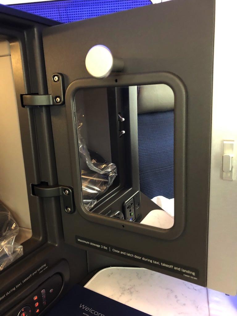 UA2418 Seat Storage 2.jpg