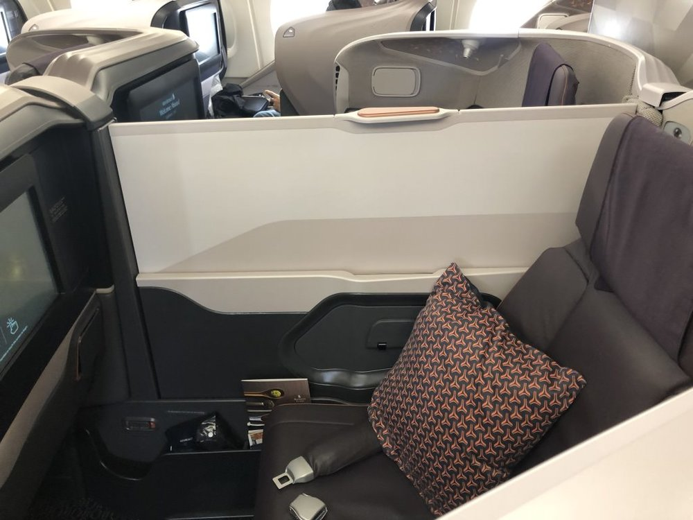SQ856 Cabin Center seats Part.jpg