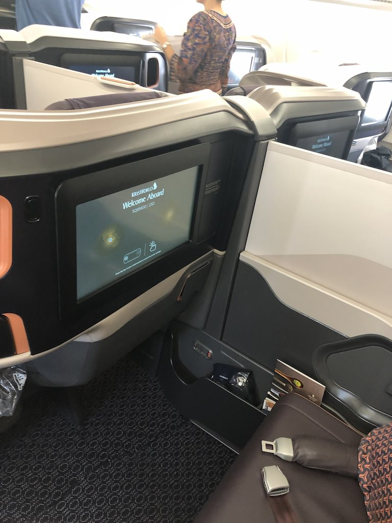 SQ856 Cabin Center Seats IFE.jpg
