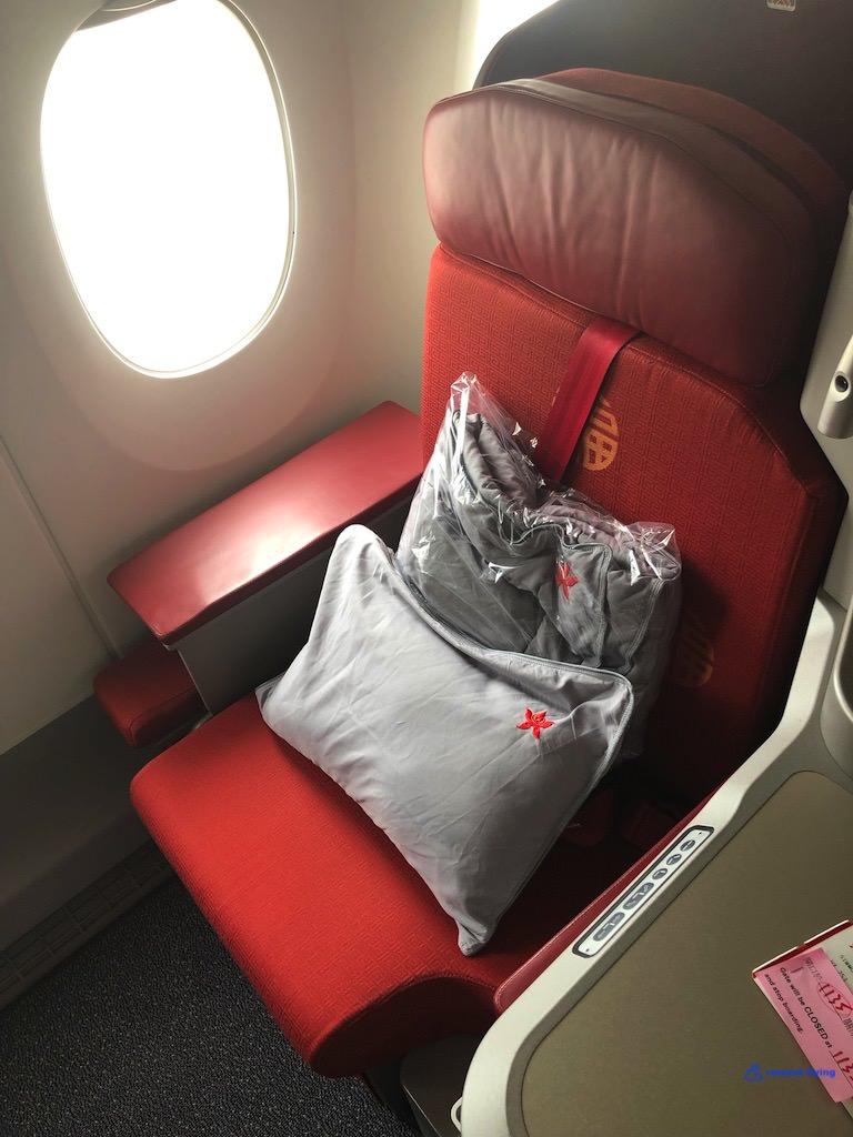 HX - Hong Kong Airlines Solstys