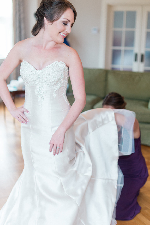Lisa and Scott Wedding-Getting Ready-0038.jpg