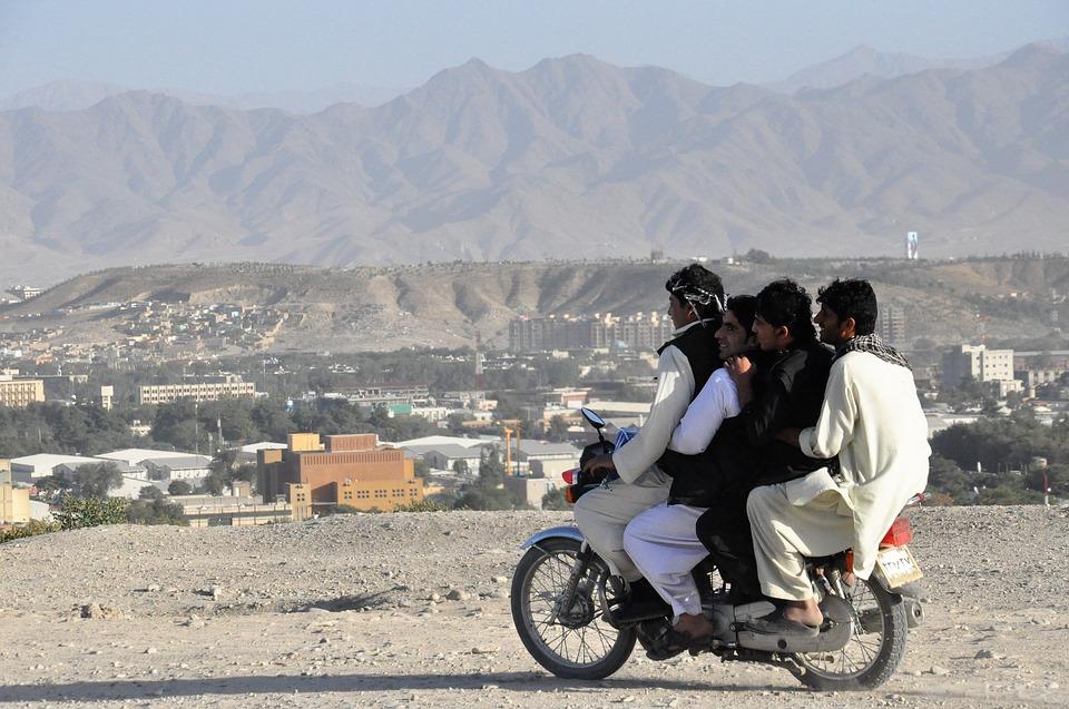 moped-2252091_960_720.jpg