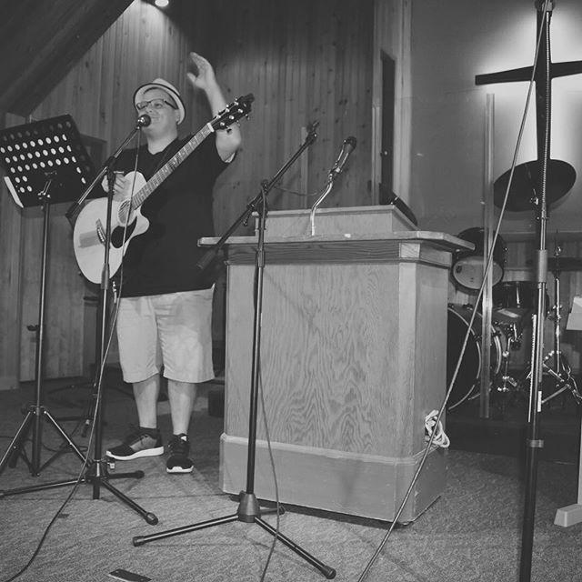 Alberto Jimenez leading worship #redeemedpdx