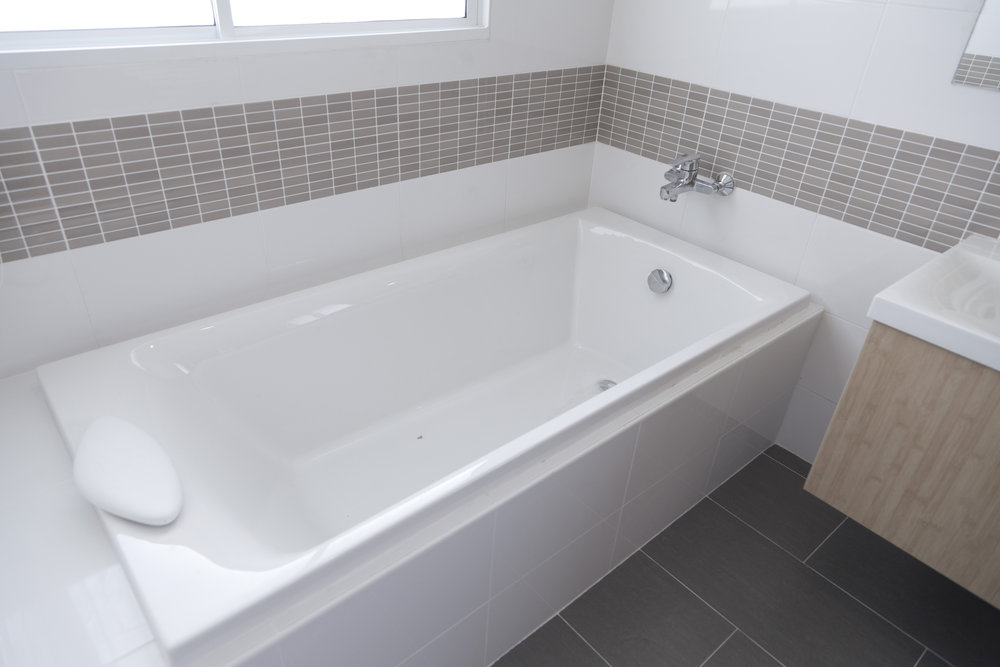 Counter and Tub Resurface