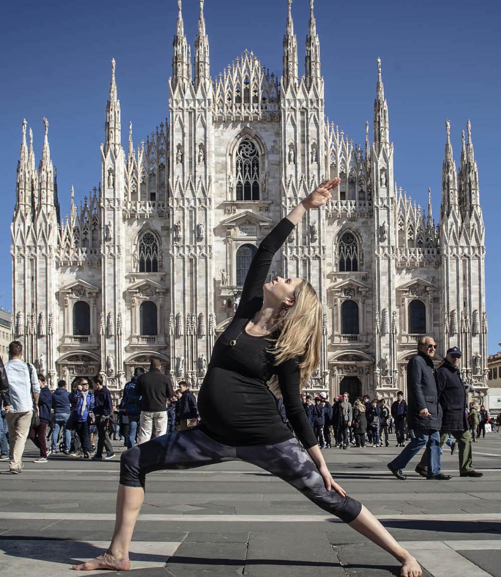 Kathy strikes a pose in Piazza del Duomo, Milan