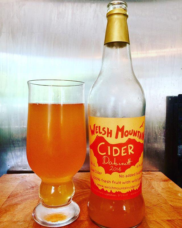 Welsh Mountain Cider Dabinett 2014 vintage! From @welshmountaincider #cidertasting #ciders #cidertime #ciderlife #ciderlover #nosulphites #sulphitefreecider #WelshCider #welshcider #welshciders