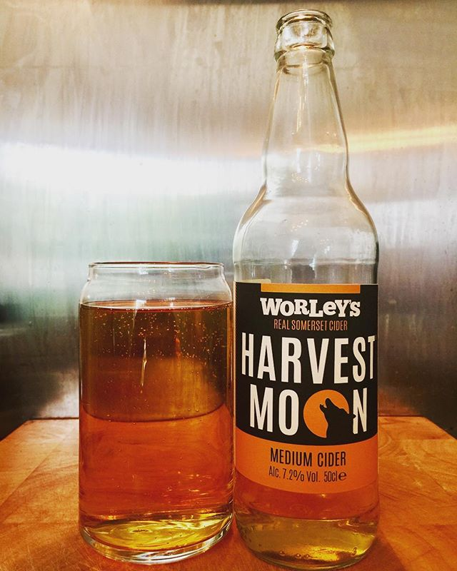 Harvest Moon Medium Cider 7.2% from @worleys_cider #realsomersetcider #somersetcider #somersetciders #craftcider#craftcider #cider #cidergram #ciderdrinker