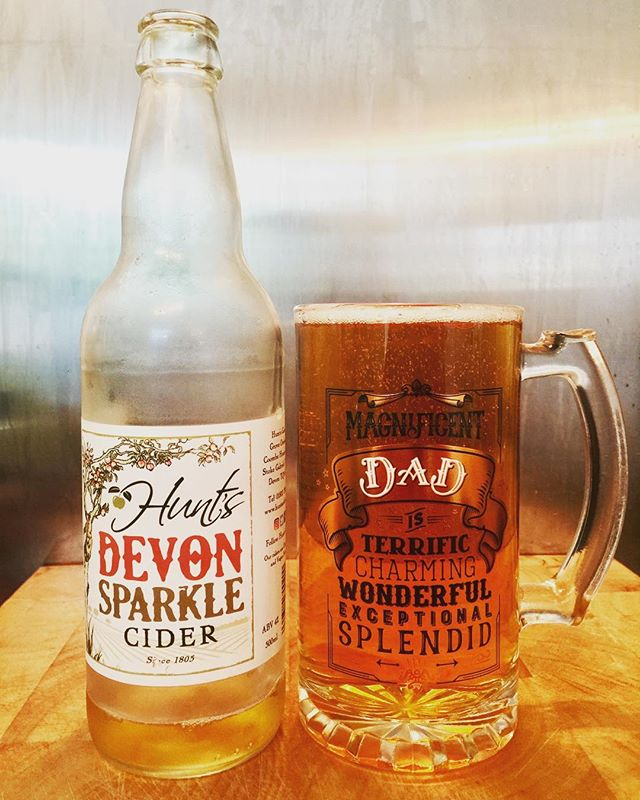 Happy Fathers Day! I got this glass for Father's Day perfect for a Devon Sparkle from @huntscider #fathersday #fathersday2017