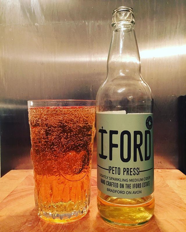 Medium from @ifordcider 😃🍏🍺 #cider #ciders #craftcider #craftciders #realcider #realciders #orchardbox #cidertasting #cidersamples