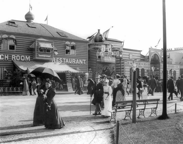 The Turkish Village on the Midway at the 1893 World's Fair in Chicago. Copyright Wikipedia.
