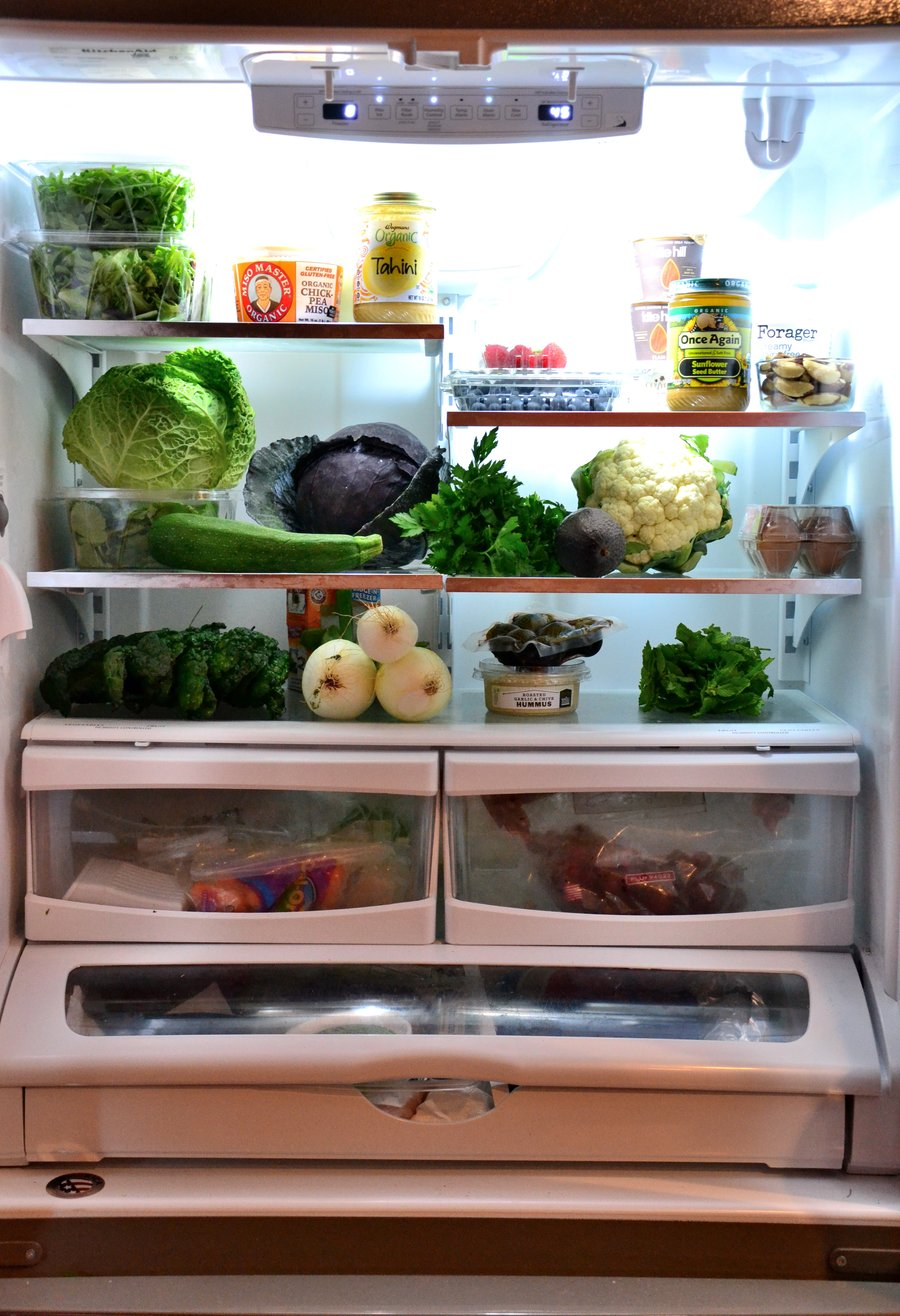 Amie Valpone's fridge as seen on CAP Beauty blog. Amie is one of those people who struggled with mysterious and debilitating health issues and healed them by adopting what she calls a clean and organic lifestyle.