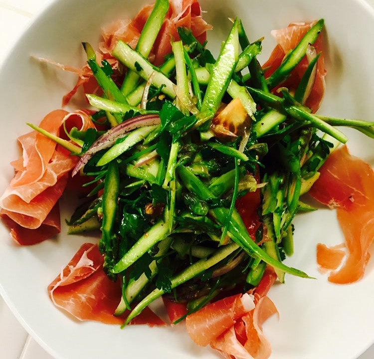 Italian Salad #curedmeats #asparagus #setlife #salad #lunch