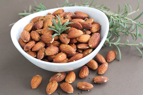 rosemary-roasted-almonds