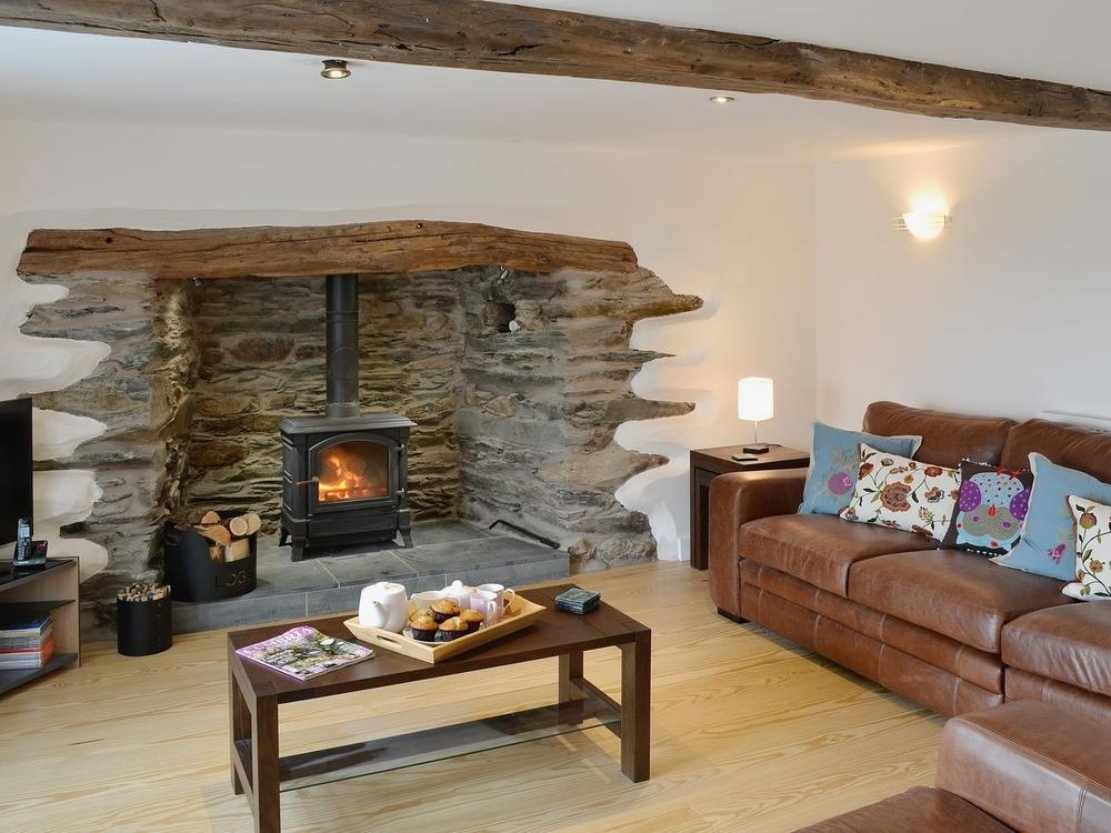 Fresh Perception retreats HL fireplace .jpg