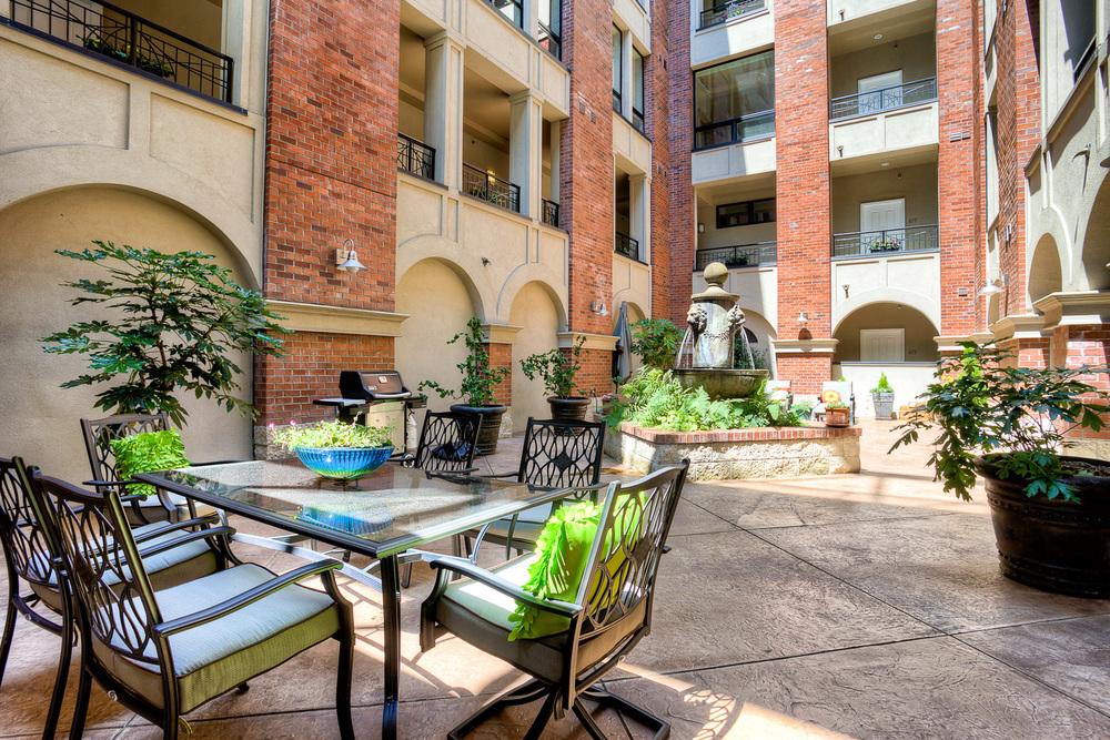 SPNW Roberson Courtyard-2.jpg
