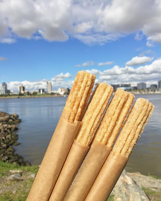 Happy Monday everyone 😄 The love for churros at festivals are 🔥 . . . . #tryitordiet #foodyfetish #churros #pretzels #tastemade #eventspecialists #frozenlemonade #LA #minutemaid #eventplanning #lovefoodextra #vendor #foodvendor #catering #insiderfood #losangeles #foodbeast #insider #thrillist  #churrolyfe #musicfestival #festivals #concert  #foodnetwork #eater #hypebeast #eatingfortheinsta #laeats #churrocart