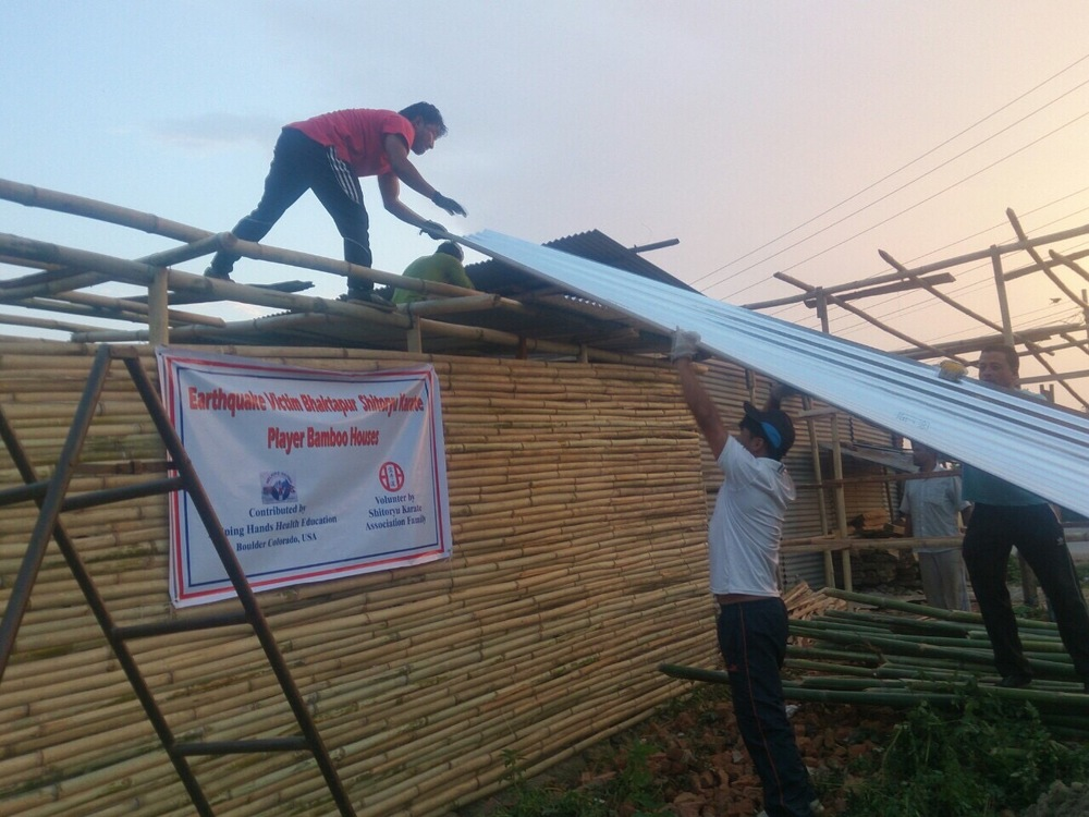 Building bamboo shelter in Bhaktapur