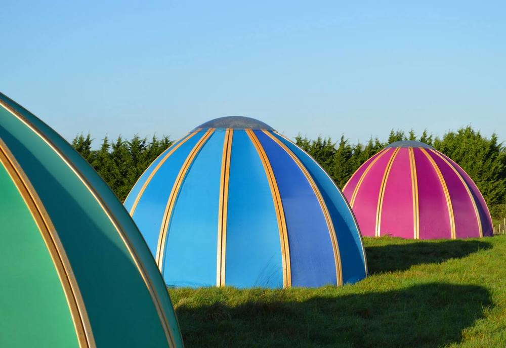 Stretched domes with stargazer roof lights