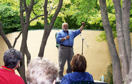Joey Novick performed at the 2015 NJ Storytelling Festival
