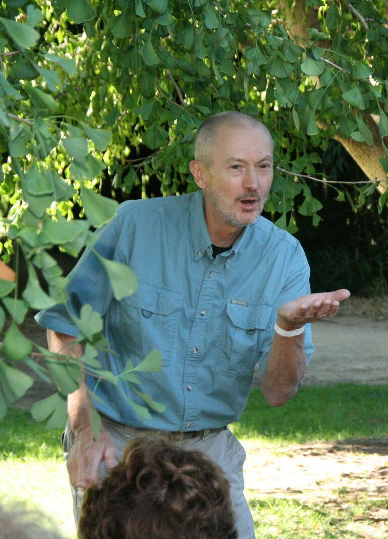 Storyteller Ken Karnas
