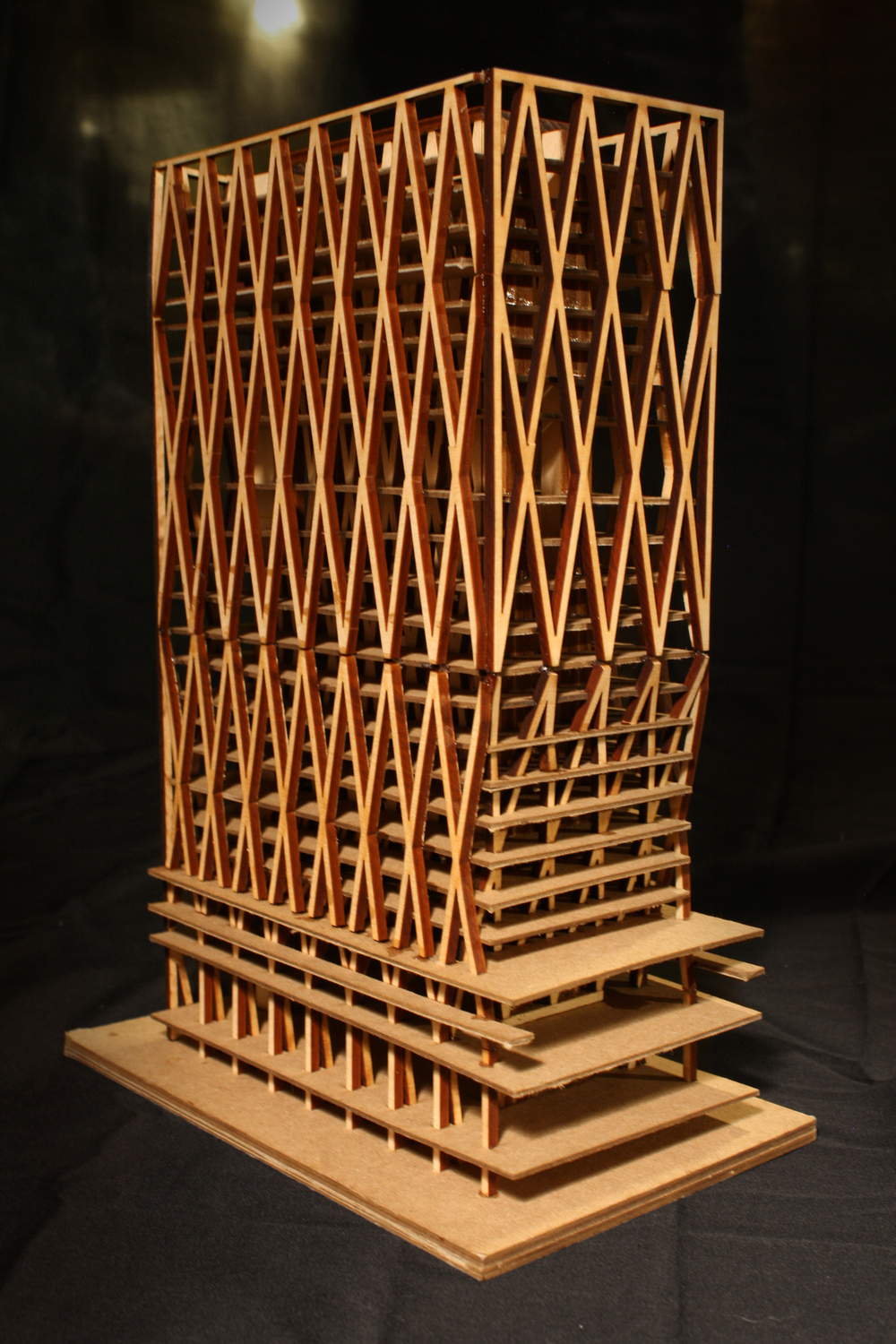 1 : 40 STRUCTURAL MODEL