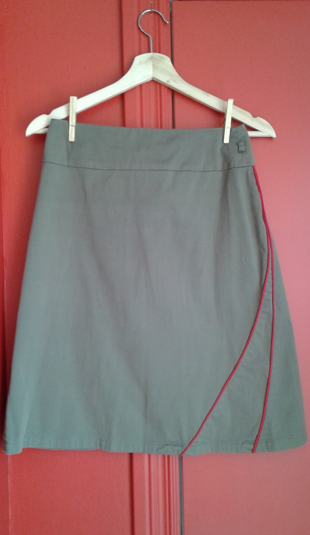 Geek Boutique skirt; size S, $28