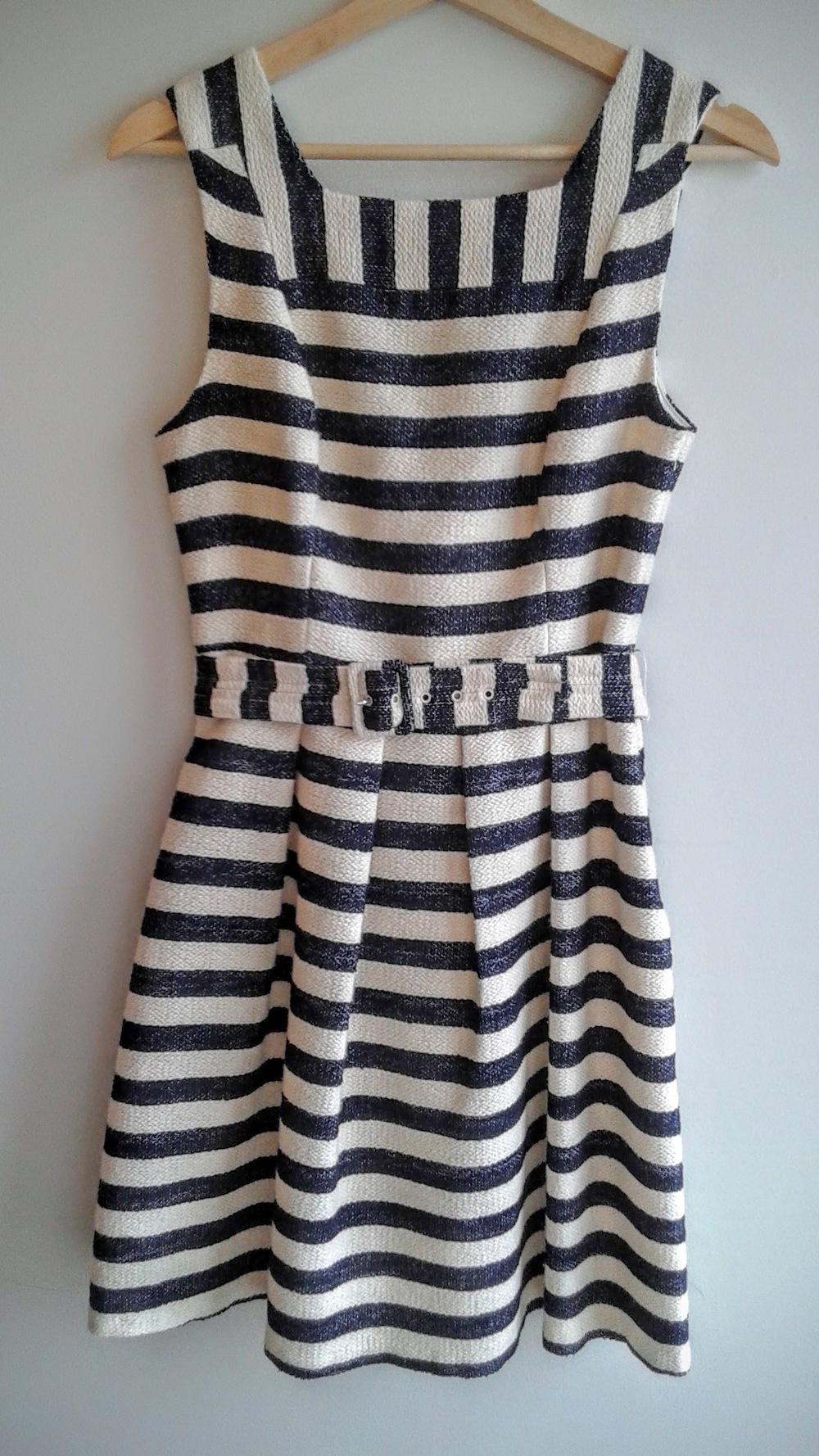 Eva Franco  dress; Size 6, $32