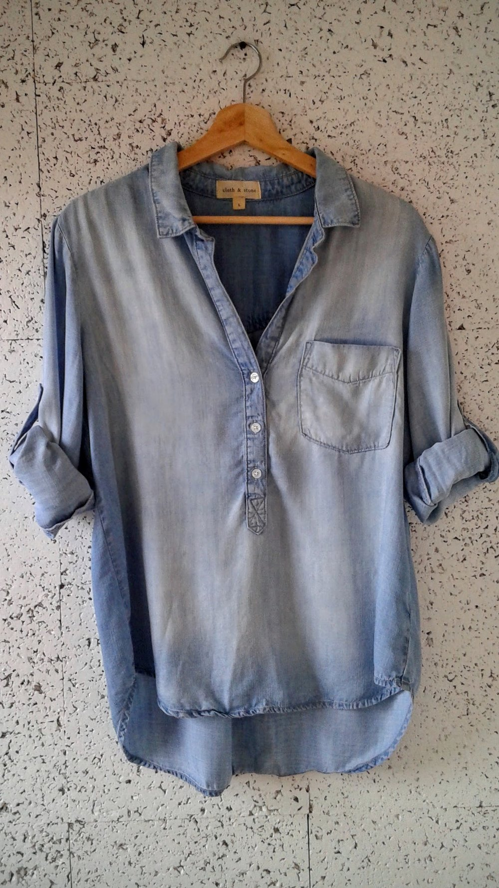 Cloth+Stone top; Size L, $28