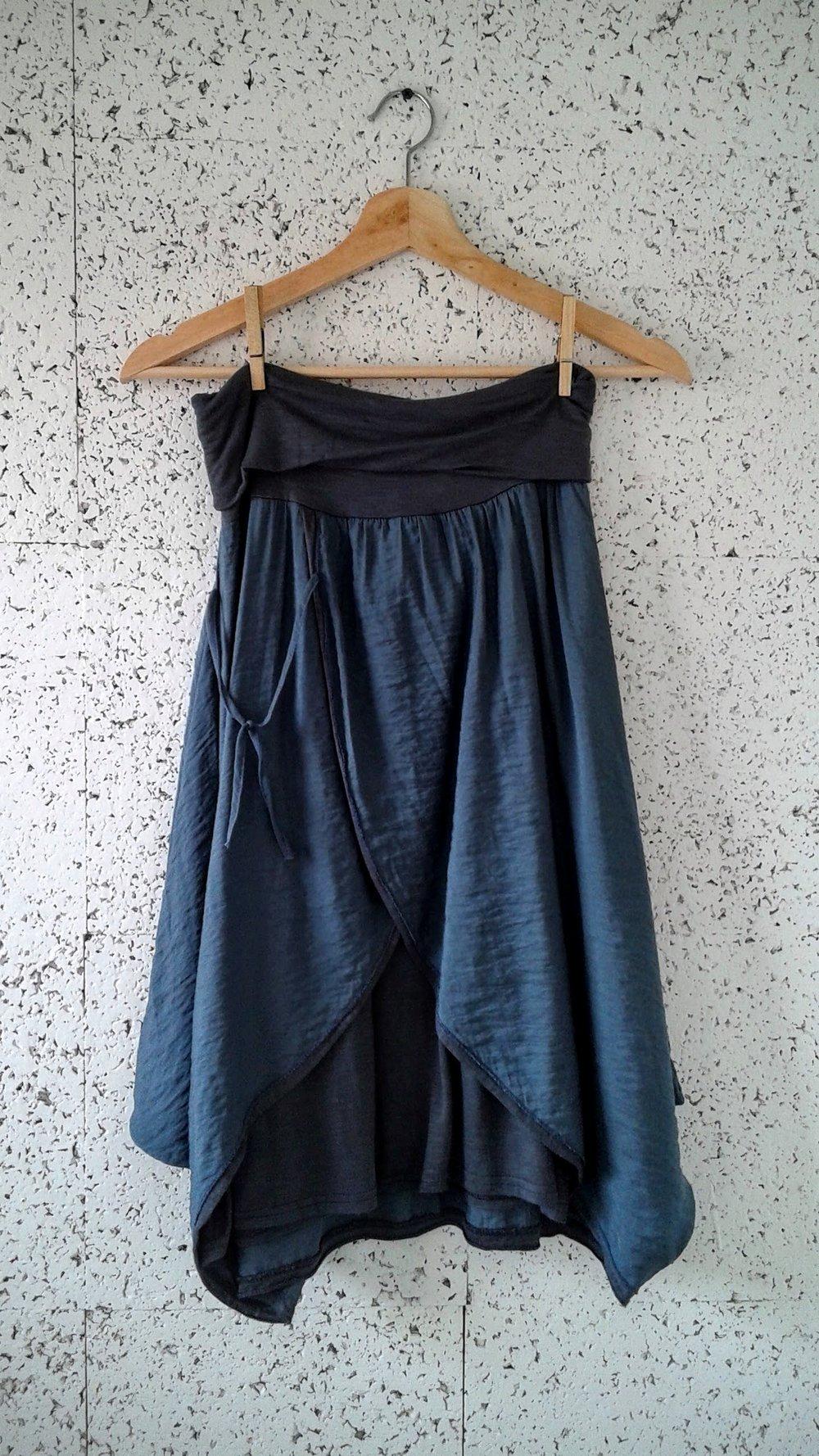 Mado et les Autres  skirt; Size M, $22