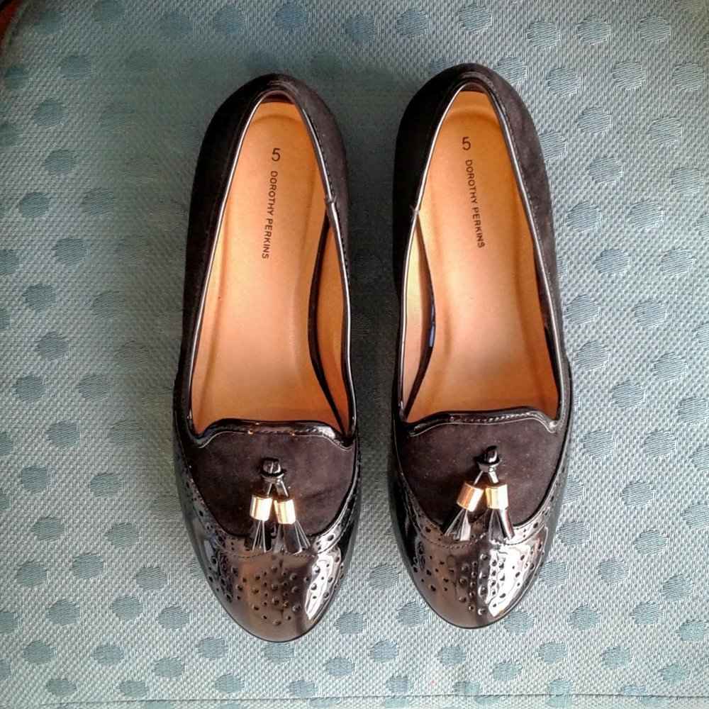 Dorothy Perkins shoes; S7, $24