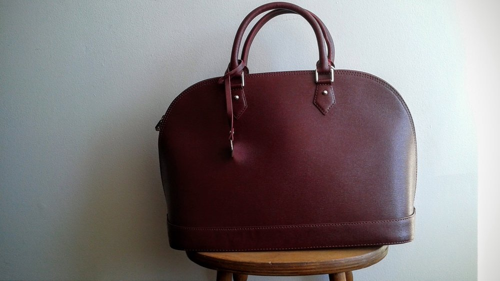 """I also come with a cross-body strap, because I'm a practical as well as beautiful"""