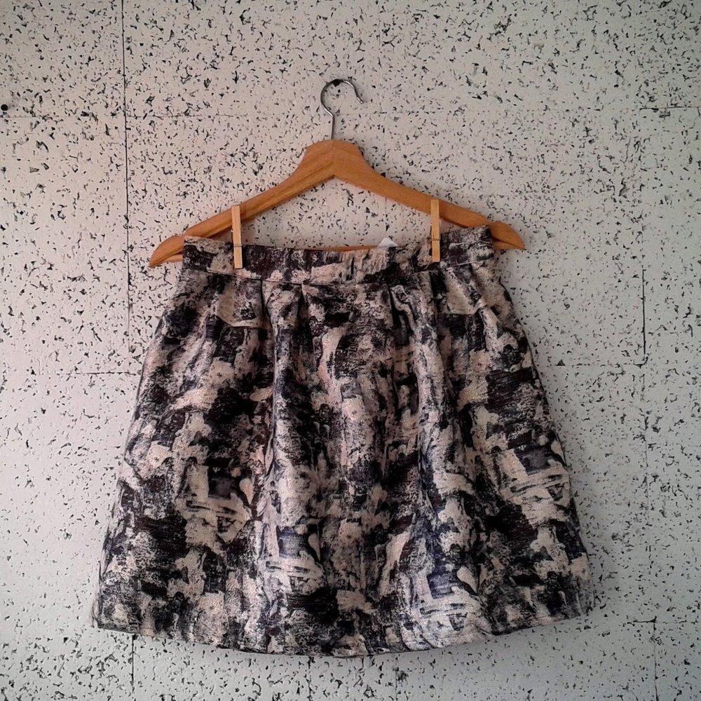 Noul skirt; Size M, $30