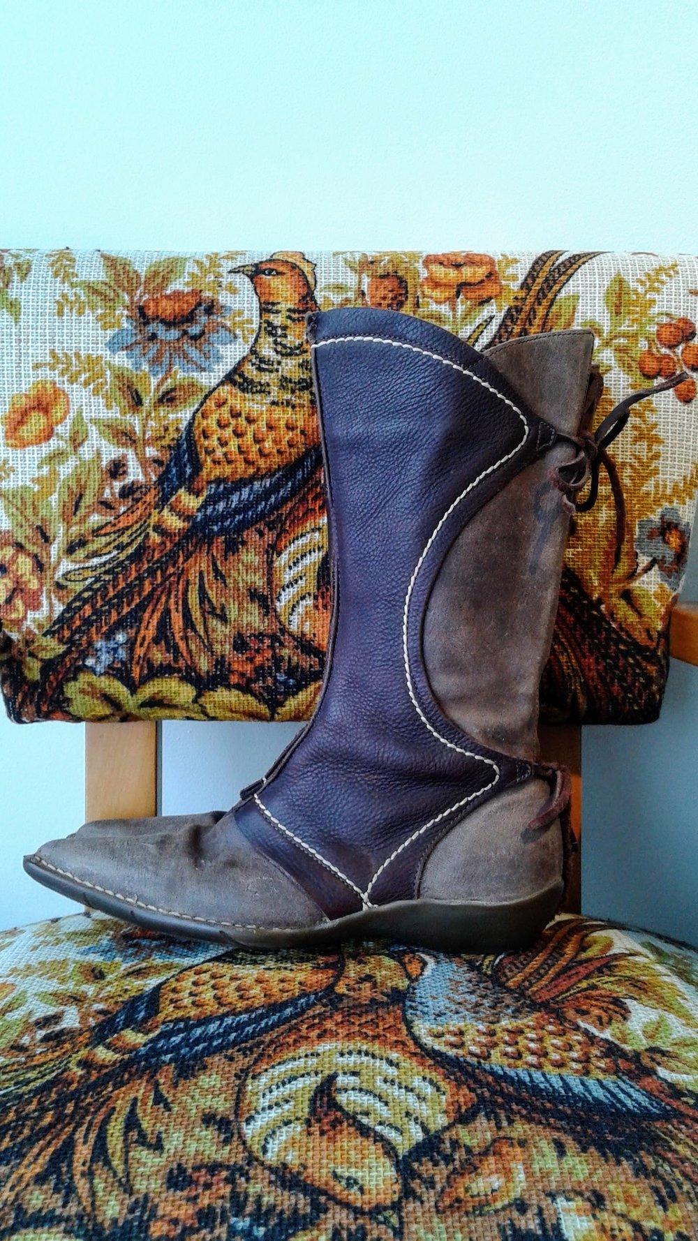 El Naturalista boots; Size 6, $48