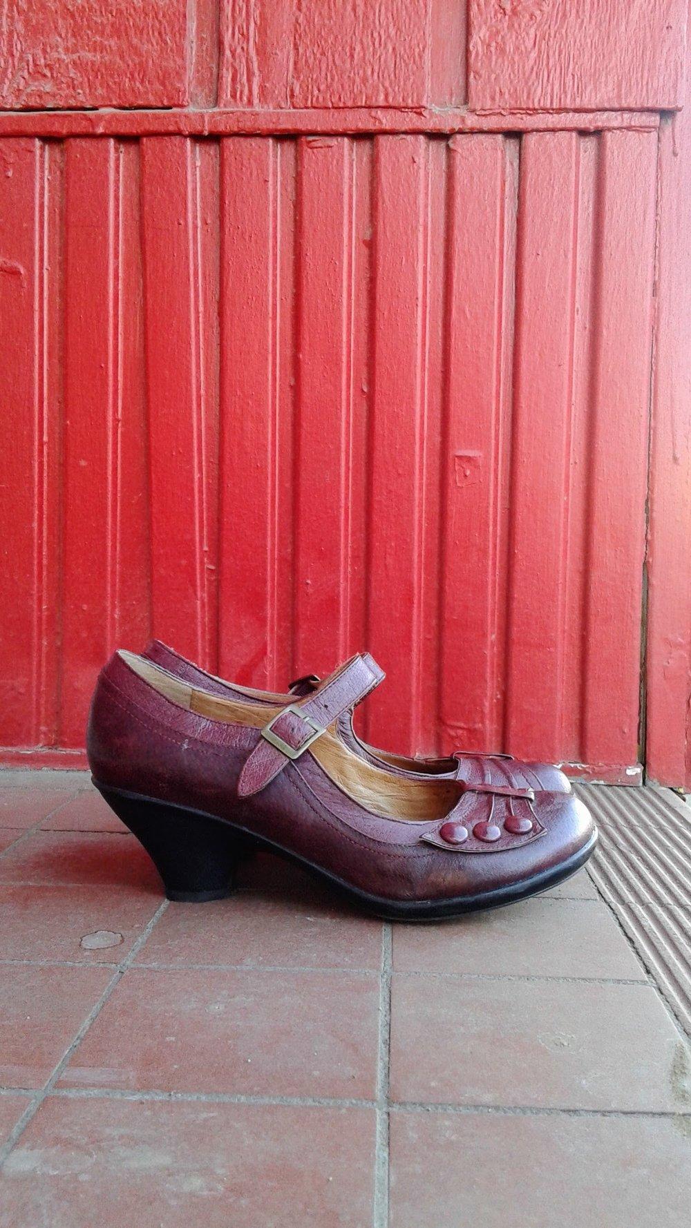 Miz Mooz shoes; S8.5, $45