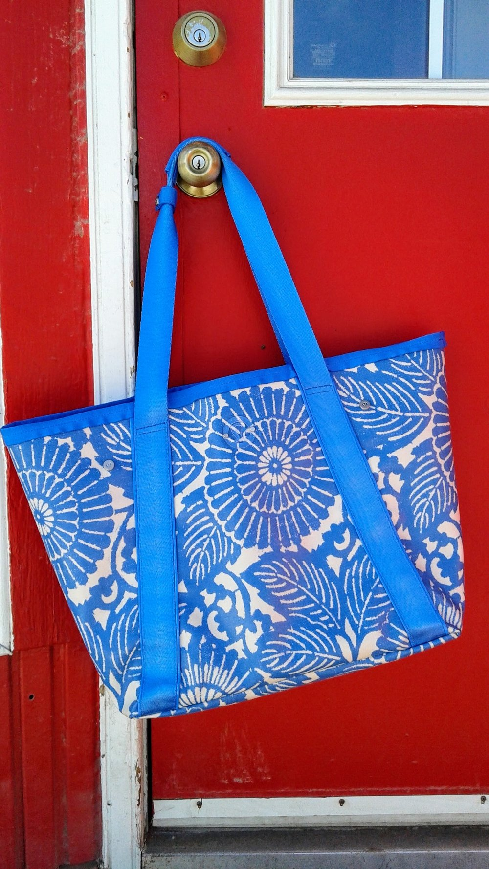 Lululemon bag, $38