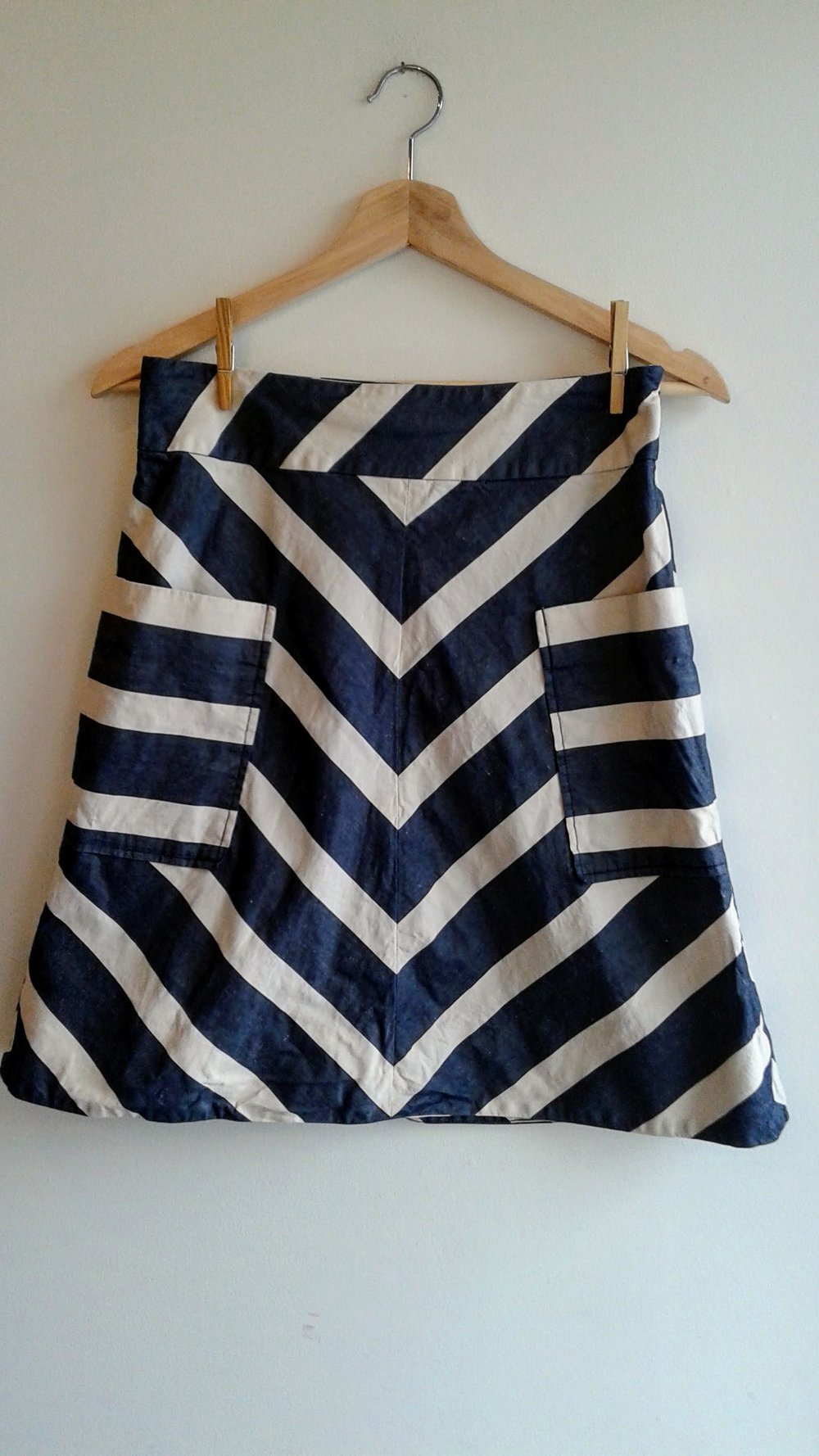 9-H15 stcl  skirt; Size S, $22