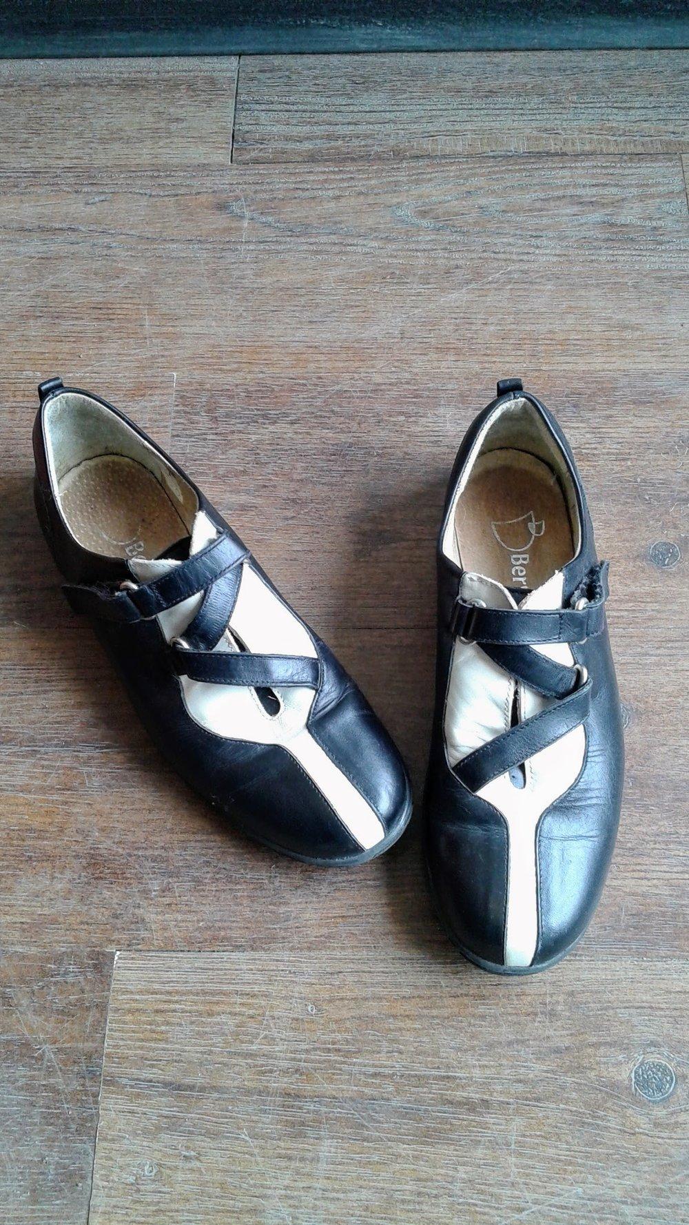 D Beryl shoes: S7.5, $26
