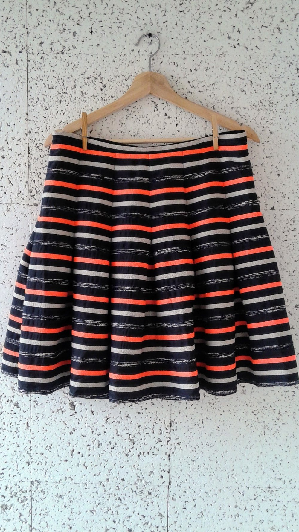 HD Paris skirt; Size 12, $26