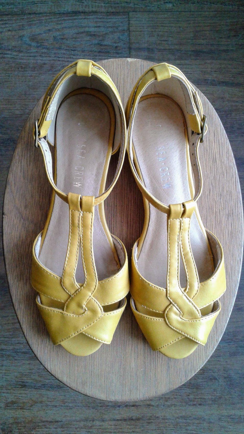 Chelsea Crew shoes; S6.5, $18