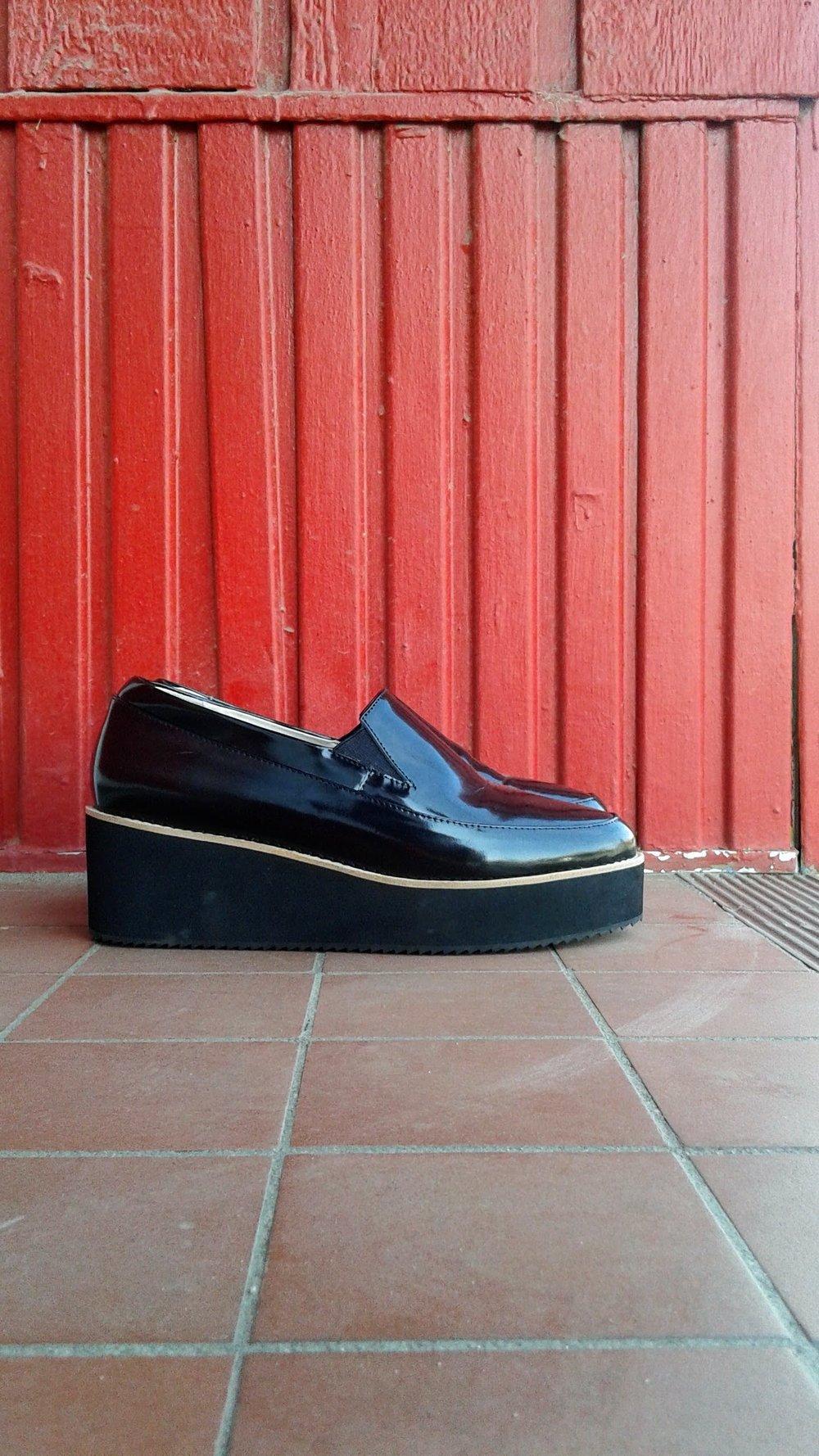 Sol-Sana shoes; S8.5, $40