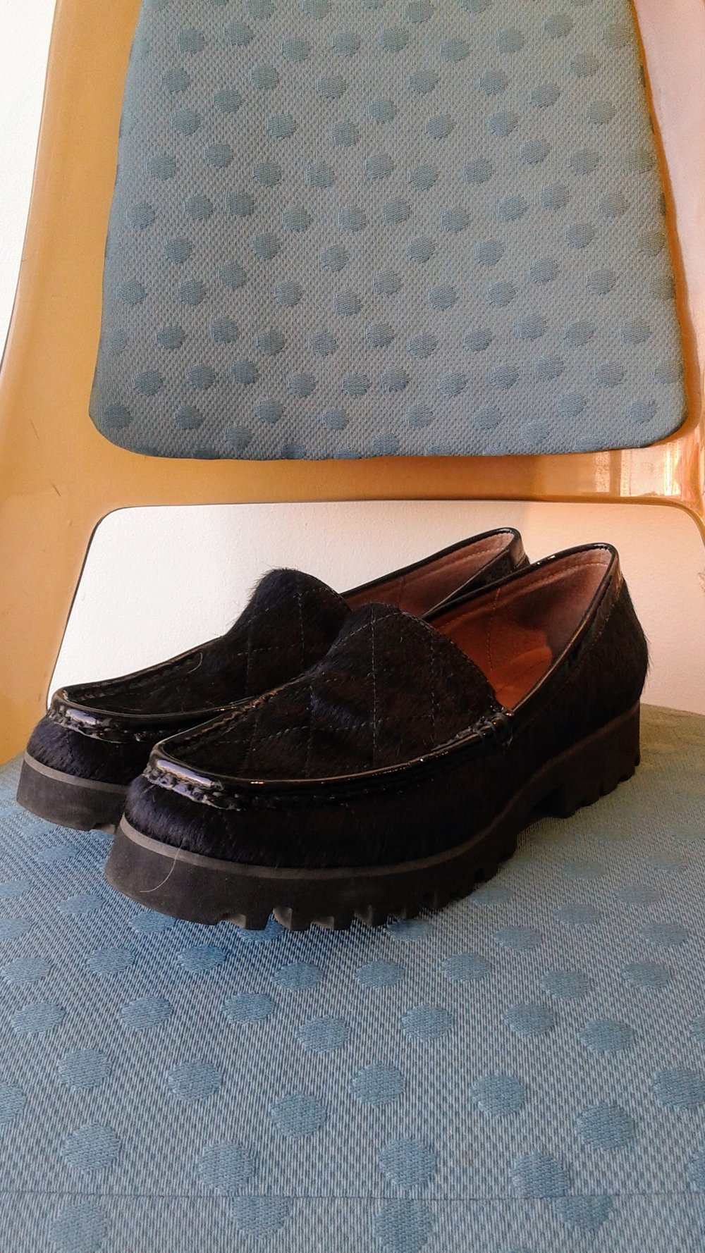 Donald Pliner  shoes; S8, $58