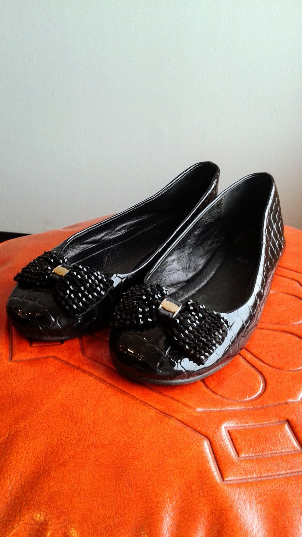 Momoni  shoes; S8.5, $22