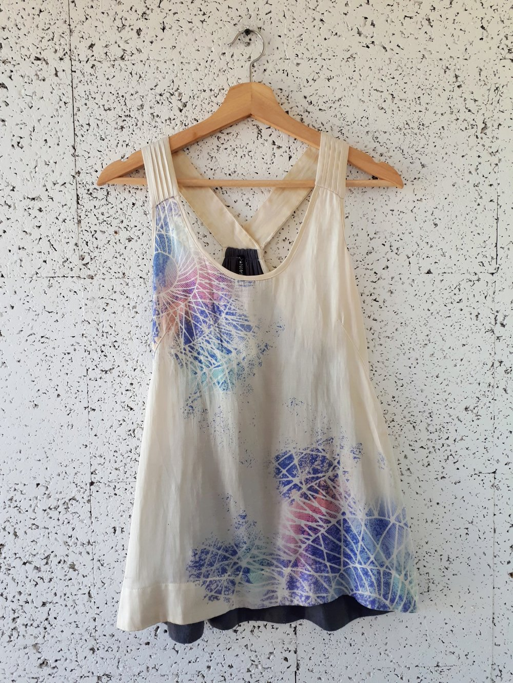 Gentle Fawn top; Size L, $20