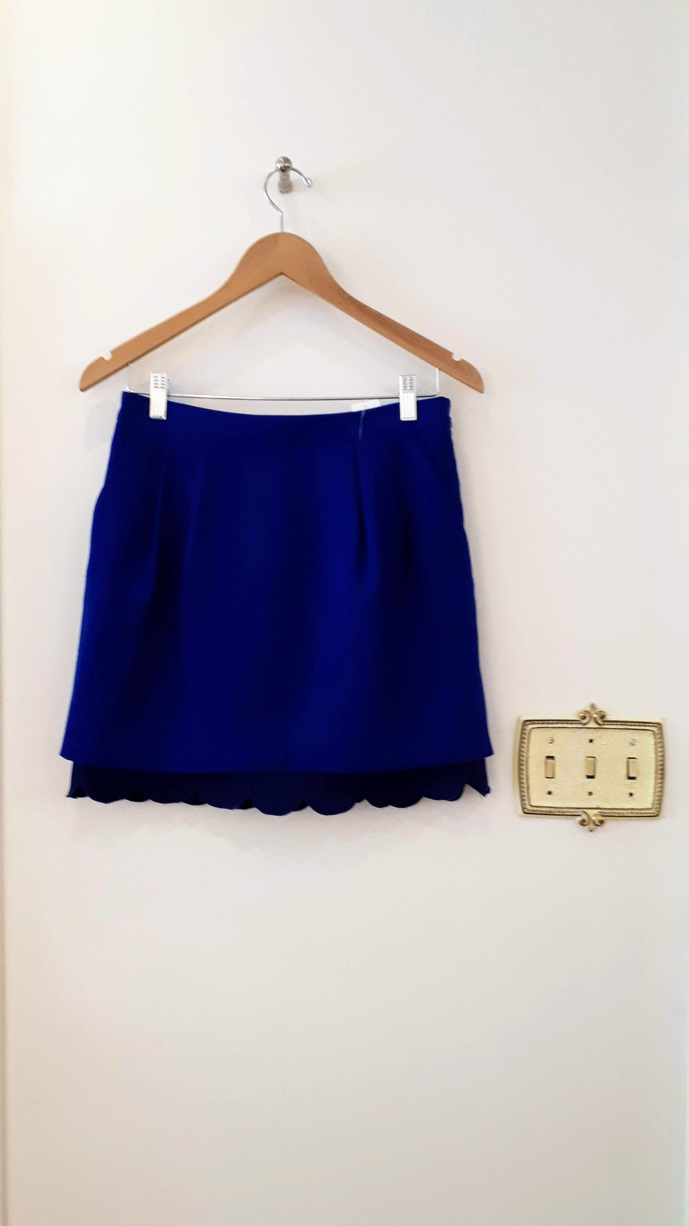 Club Monaco skirt; Size 4, $32