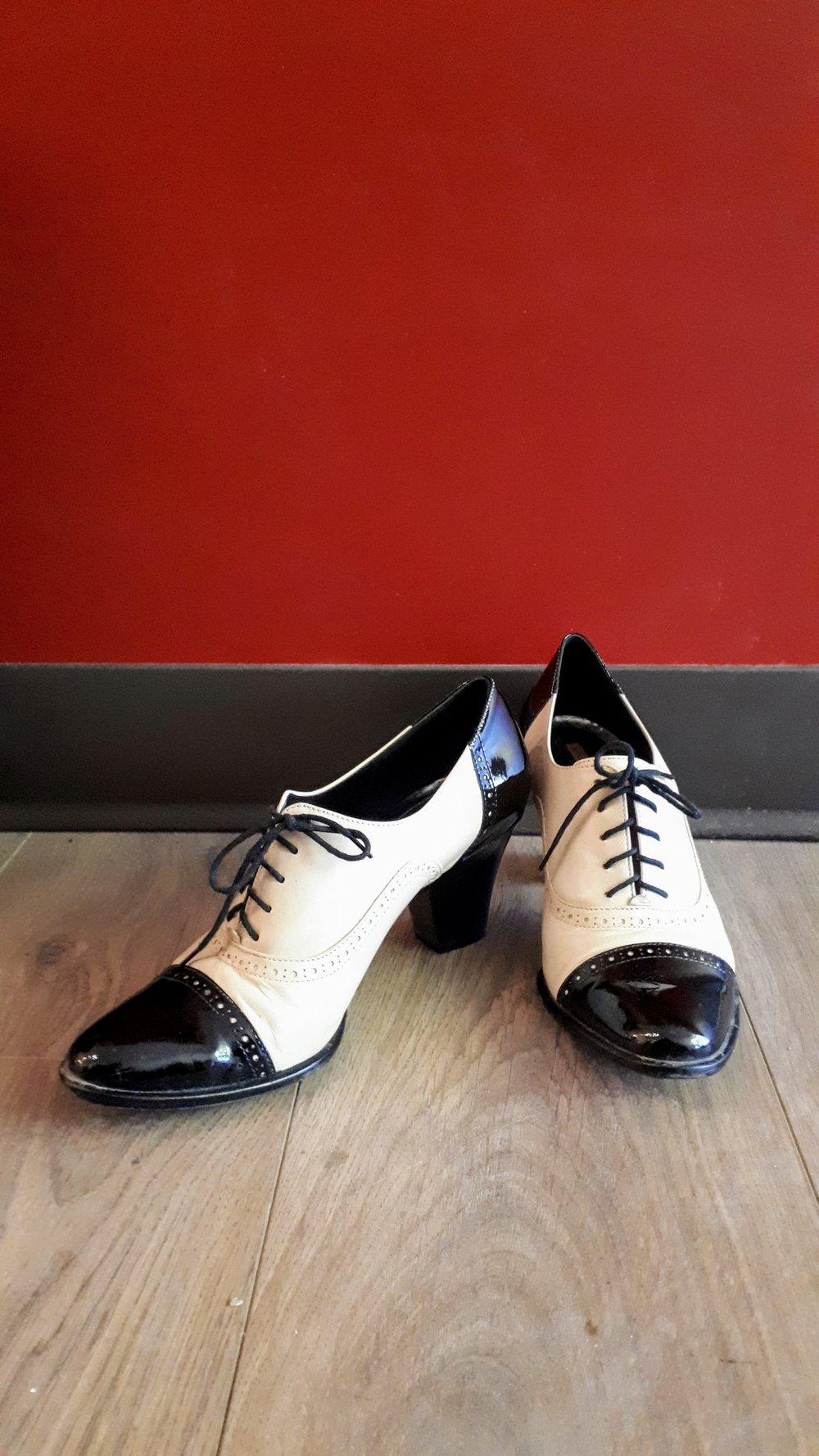 Via Spiga shoes; S7.5, $65
